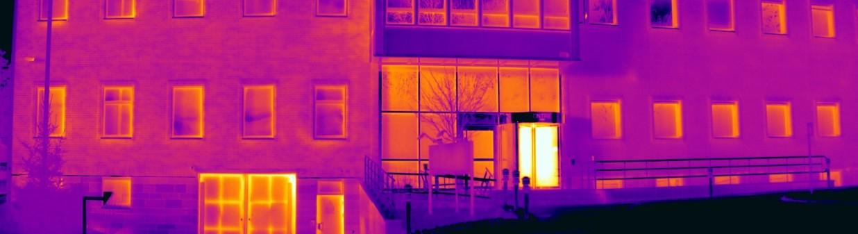 panorama_budynku_w_podczerwieni_wysoka_rozdzielczosc